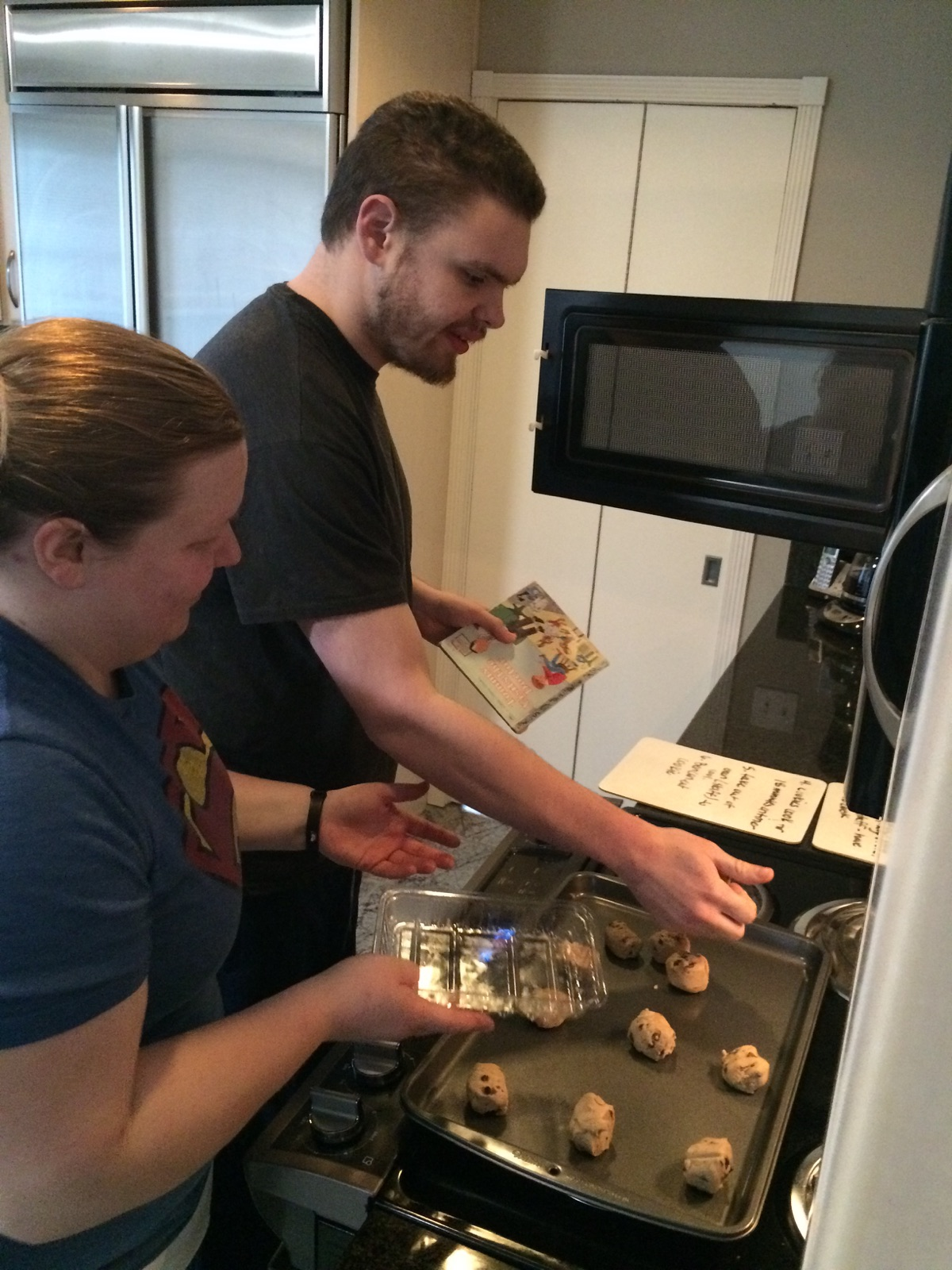 ben-baking-cookies-michelle-dec2015